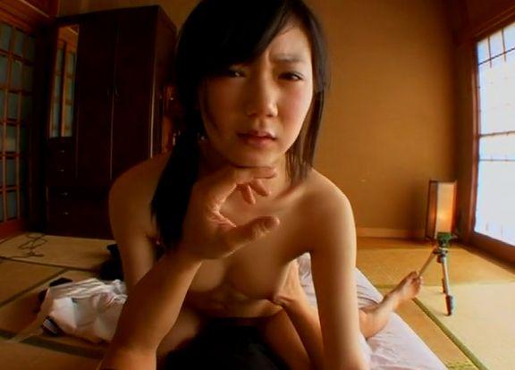 アダルト動画:20歳 純粋無垢で華奢な激カワ娘 かずき